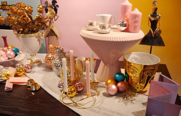 Weihnachtliche Dekoration im Manufaktur Werksverkauf